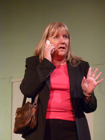 Jan Bursby as Linda Swan