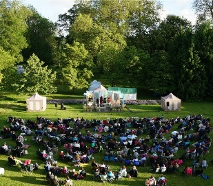 Twelfth Night at Deans Court (photo courtesy of Sir William Hanham)