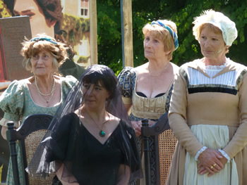 Ladies in Waiting (Verena Smith-Maurer and Val Mantle), Maria (Judy Garrett) and Olivia (Tracey Nicholls, seated)