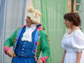 Sir Andrew (Simon Jackson) and Olivia (Tracey Nicholls)